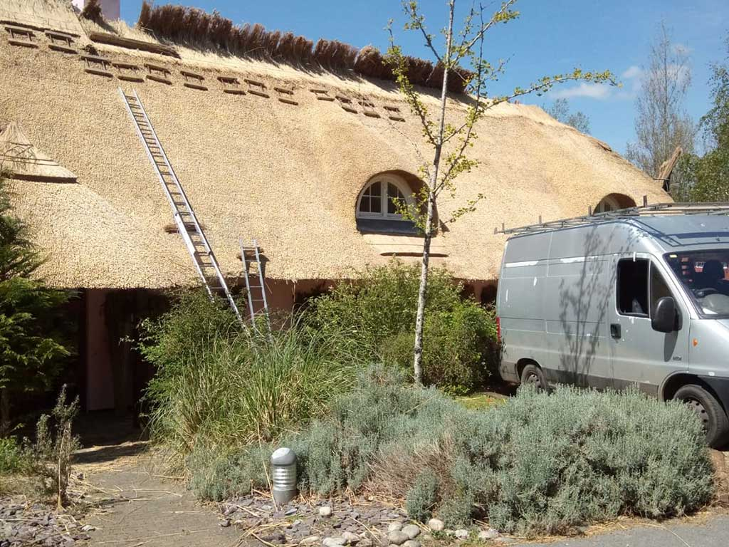 RJ Matravers Traditional Thatch Roof being completed
